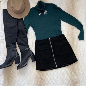Forever 21 Suede mini black skirt
